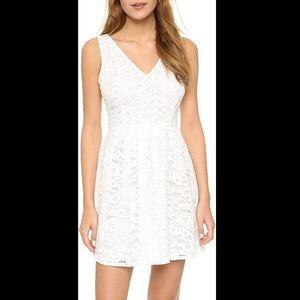 BB Dakota Kerry Lace V Neck Dress White Size 4 NWT